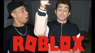 TEACHING MY BESTFRIEND HOW TO PLAY ROBLOX