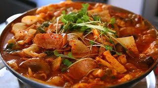 Army base stew (Budae-jjigae: 부대찌개)
