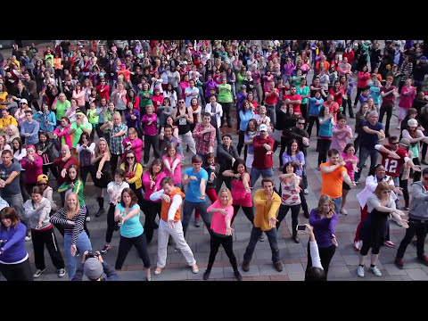 Glee Flash Mob 2013 - Seattle
