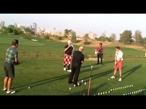 Golf Trick Shot Artist David Edwards entertaining a crowd in Dubai