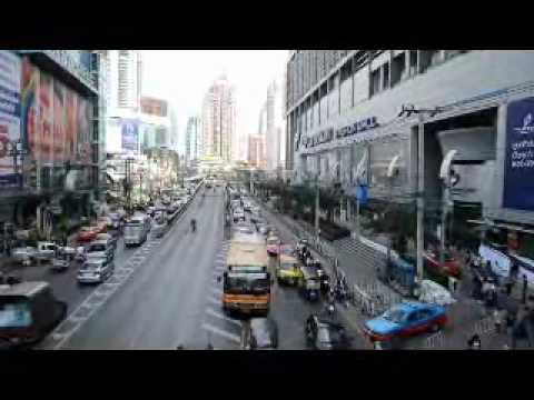 Updated of Pratunam flood By Sri Siam Holidays 07.11.2011