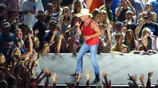 Download Lagu Kenny Chesney - All the Pretty Girls - Live in Atlanta Gratis STAFABAND