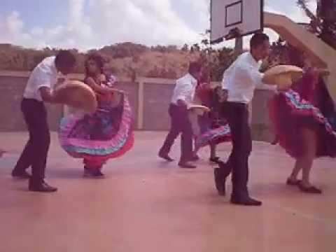 Grupo de baile del Liceo Juan Ant. Collado Compadre Pedro Juan