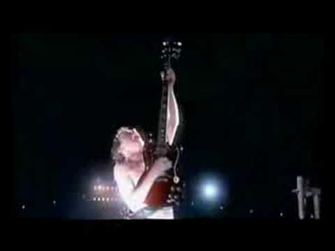 Solo angus young Enorme