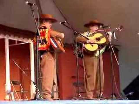 Los Hermanos Campos - Cueca Chilena (1)