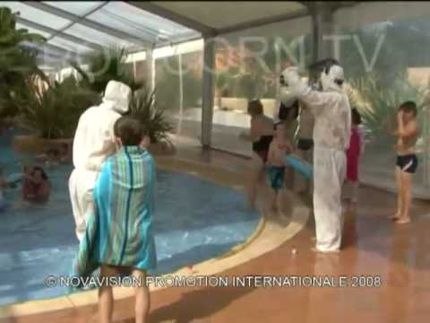 Hidden Camera : Toxic pool (Mad boys)