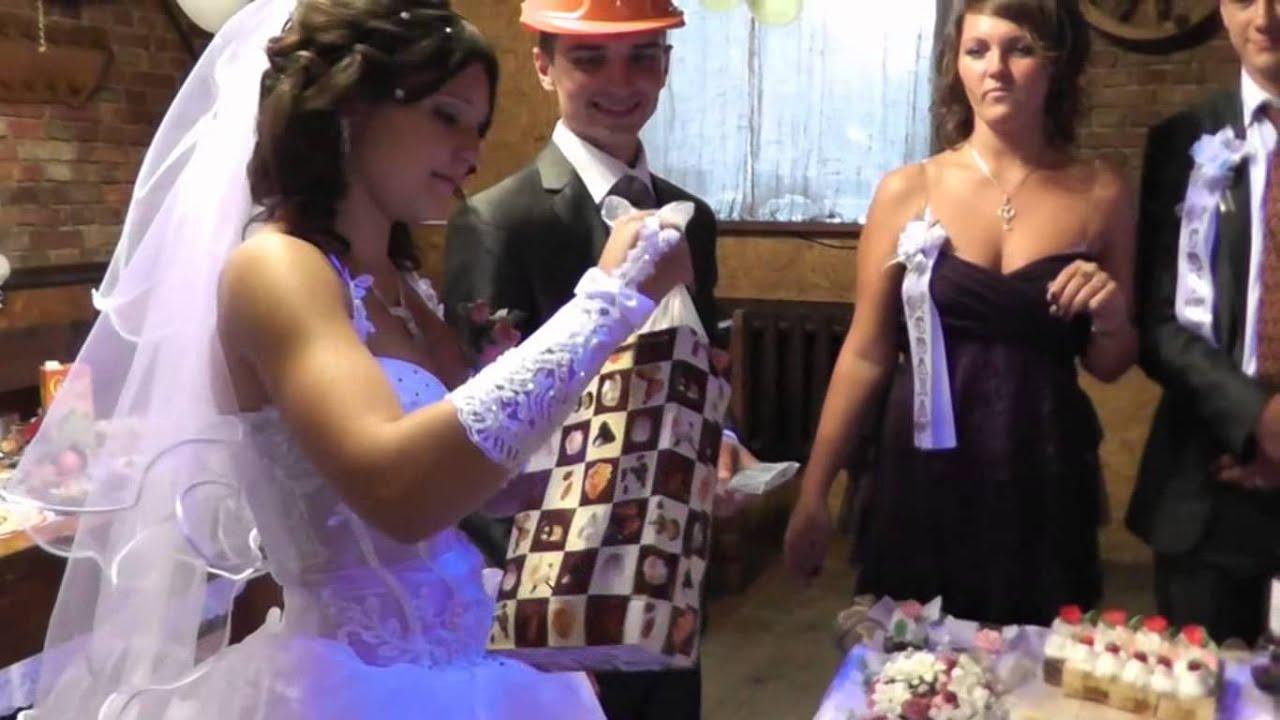 Оригинальные поздравления на свадьбу от друзей с прикольными подарками 947