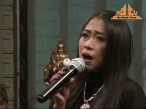 Karma - Trie Utami  Bank Indonesia (30 Thn Peradah Indonesia) video