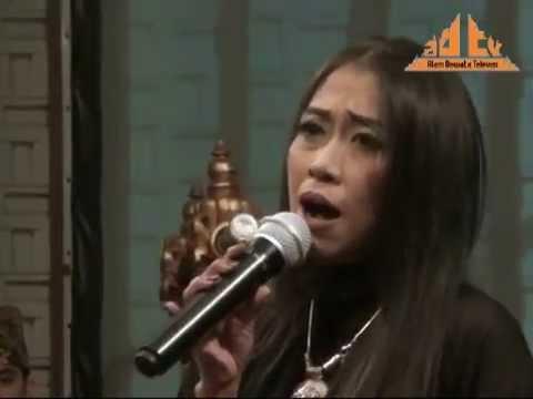 Karma - Trie Utami  Bank Indonesia (30 Thn Peradah Indonesia) video