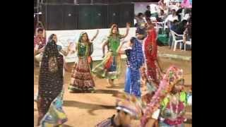 Gujarati Garba Song Navratri Live 2011 - Lions Club Kalol - Devji Thakor - Day-9 Part-27
