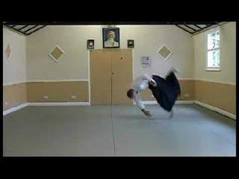 AIKIDO - Ukemi breakfall demonstration by Dunken Francis 4th dan Image 1