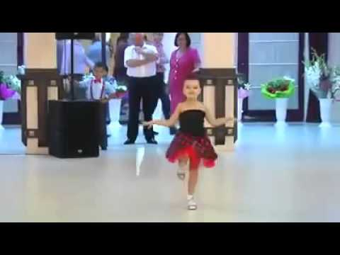 رقص اطفال روعه thumbnail