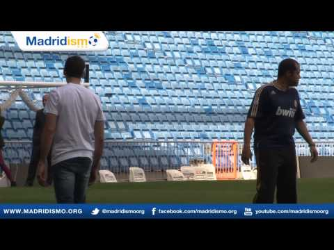 Álvaro Arbeloa trains children from the 'escuela inclusiva', Realmadrid Foundation