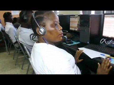 Sierra Leone, Un centre d'appeler pour aider les malades d'Ebola