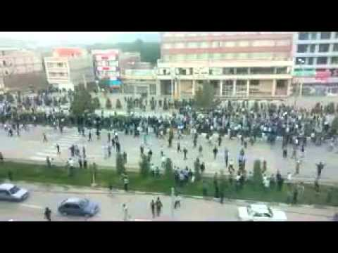 Manifestation à Mahabad au kurdistan iranien après la mort d'une jeune fille