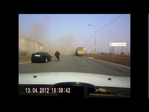 ДТП в Омске. «Запорожец» разорвало на части