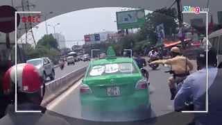 CSGT: 'Tài xế taxi điên hành động ngông cuồng'