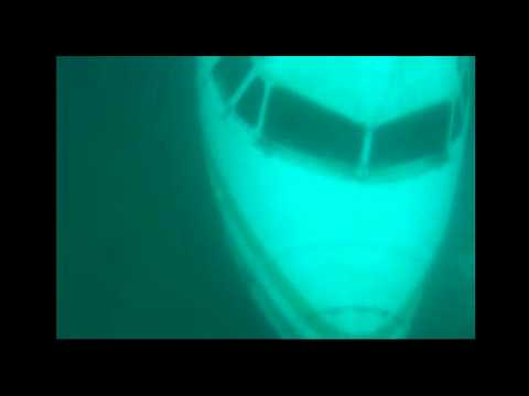 URGENT: AirAsia QZ 8501 Wreck Found Under Ocean (Raw Video)