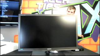 Samsung SyncMaster 27IN 2560x1440 LED PLS LCD Monitor Unboxing & First Look Linus Tech Tips