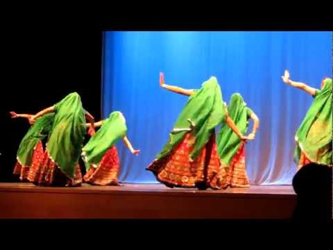 Live India Dance with Hindi Music song at Northeastern University in Boston (Part3/3)