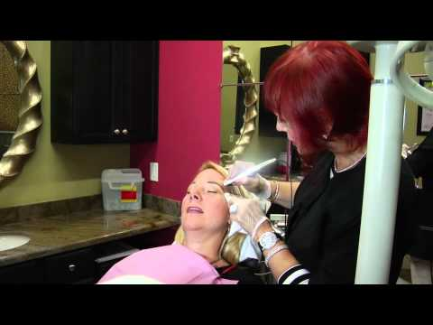 Permanent Makeup Eyebrows Tattoo - Live