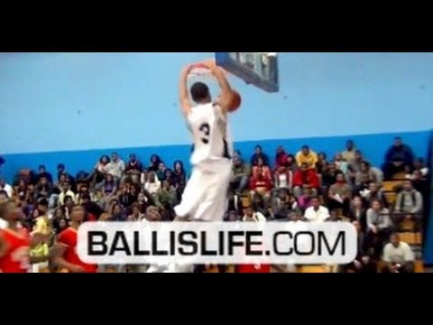 Kyle Davis: 6ft combo guard w/ BOUNCE: junior season Ballislife mix (Chicago Hyde Park)