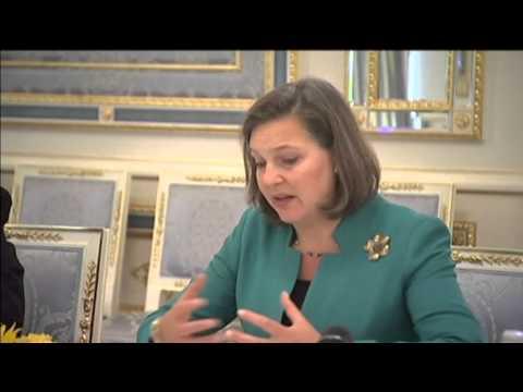 President Poroshenko meets Victoria Nuland in Kyiv: US official praises Poroshenko peace plan