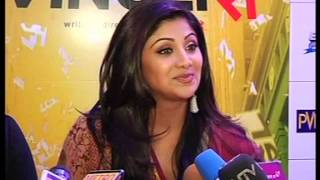 English Vinglish - Vidya balan &Bipasha Basupremier & Shilpa Shetty of film English Vinglish