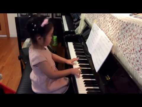 Nina Lu (5 years) plays Chord Capers