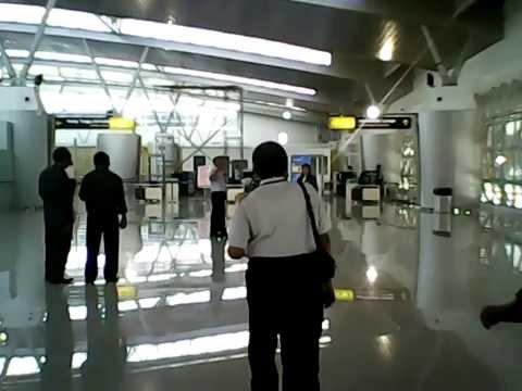 Bapak Trikoro Harjo selaku General Manager Bandara Juanda Surabaya menegaskan pengoperasian Terminal 2 Bandara Internasional Juanda Surabaya insyaallah akan dimulai besok pada hari Juma'at...