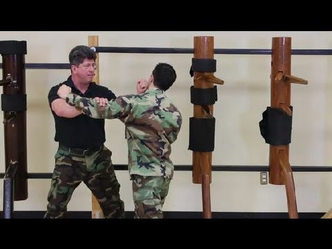 Close Quarter Combat Training : Kung Fu for General & Military Applications Image 1