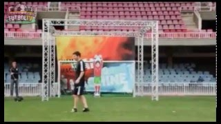 ROBOT PORTERO vs MESSI - ROBOT GOAL KEEPER vs LIONEL MESSI