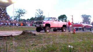 Wapak Ohio 2008 Tug a truck girl in pink chevy pulls!