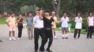 KHIEU VU Tango Can Ban thay Phi Long