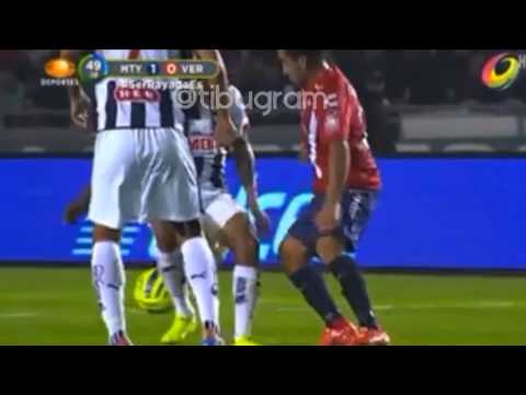 Caño de Meneses a Alexander Mejía | Monterrey vs Veracruz | J4 CL15