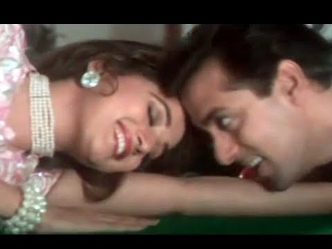 Pehla Pehla Pyar Hai - Hum Aapke Hain Koun - Salman Khan, Madhuri Dixit - Old Hindi Songs video