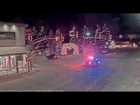 Jackson Hole WY Town Square ❗ crime under the arch 🚓6 of police cars_02/01/2018