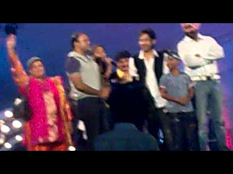 tarak mehta in ankleshwer in navratri with falguni pathak.mp4...