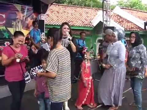DIAN ANIC-YAMAN MADU-RAMAPRO - LIVE IN PATROL