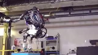 Робот от Boston Dynamics делает успехи