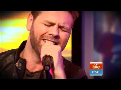 Brian McFadden performs Adele hit