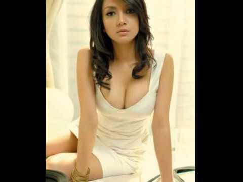 Kumpulan Foto Hot Wiwid Gunawan