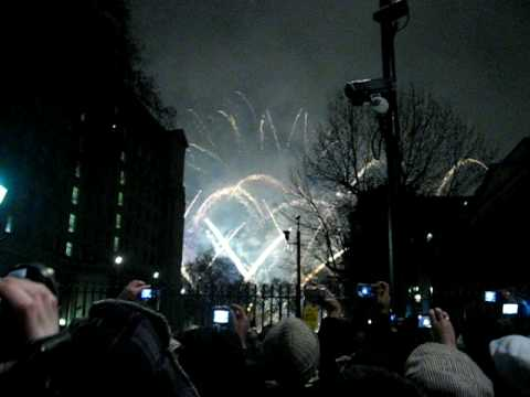 Fireworks London New Years Eve. London 2008/2009 New Year's eve, countdown and fireworks. 1:16. Countdown and fireworks from Victoria Embankment, London, New Year's Eve 2009 !