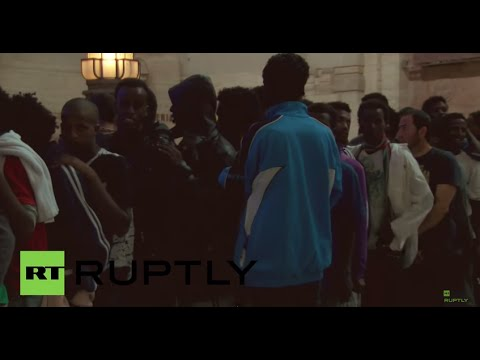 Italy: Migrants receive aid at Milan central station as refugee numbers rise