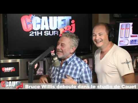 Bruce Willis débarque dans le studio de Caue - C'Cauet sur NRJ