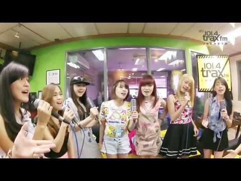 Cherrybelle - Dunia Tersenyum video