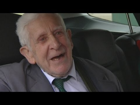 D-Day care home escape: Veteran returns after escaping to France for 70th anniversary