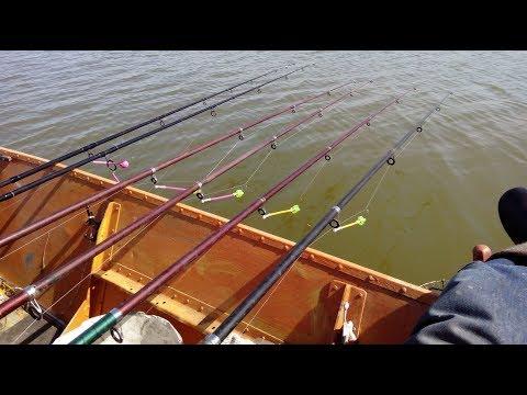 как ловить с лодки 2015