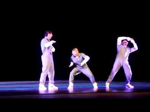 Brazilian Dancing - Group  D Efeitos Sinapse [live] video