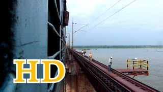 KERALA EXPRESS OVER MIGHTY GODAVARI BRIDGE !!